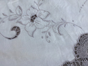 Vintage Madeira Cutwork Embroidered Linen and Bobbin Lace Ivory and Ecru Tablecloth
