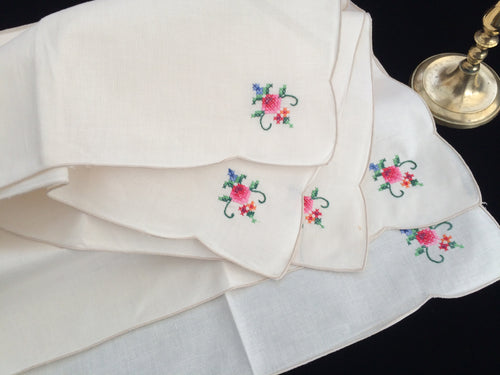 A Set of 5 Vintage Hand Embroidered Beige/Ivory Unused Floral Cross Stitch Embroidered Cloth Napkins