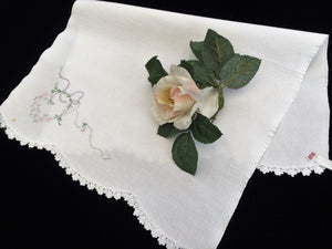 Vintage Embroidered Off-White Linen Tea or Guest Towel with Crocheted Scalloped Edge