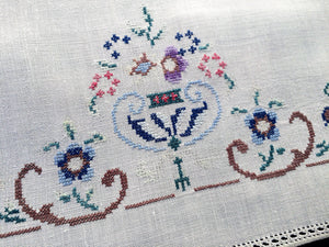 Art Deco Vintage Embroidered White Linen Tea/Guest Towel with Cross Stitch Flower Urn Motif