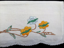 Load image into Gallery viewer, Vintage 1940s Embroidered White Waffle Linen Tea or Guest Towel with Crocheted Scalloped Edge