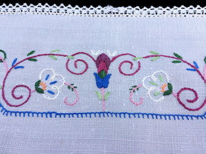 Australian 1930/40s Vintage Hand Embroidered White Linen Doily/ Tray Cloth or Breakfast Placemat with Crochet Lace Edge