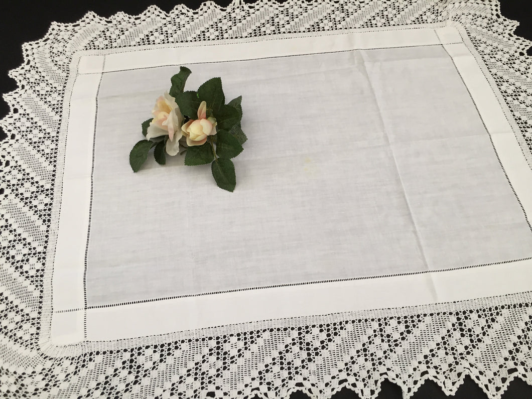 Vintage Oblong Embroidered Irish Linen Table Topper Cloth with Filet Crochet Edging EL0195