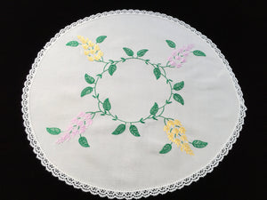 Large Vintage Embroidered Linen Doily, Tray Cloth or Place Mat/Table Centre Mat with White Cotton Lace Edge