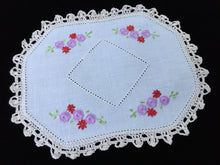 Load image into Gallery viewer, Vintage Hand Embroidered Off-white Linen Doily with Mauve and Red Flowers and Ivory Crocheted Edge
