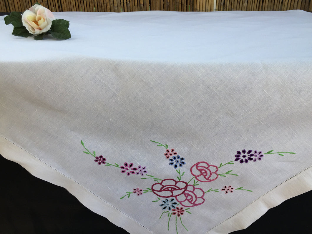 Vintage Hand Embroidered Madeira Cutwork Off-White Raw Linen Tablecloth with Hand Stitched Ajour Openwork Edging