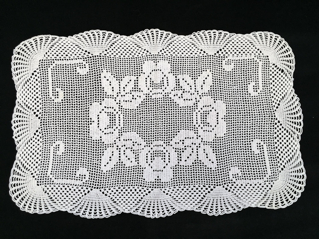 Vintage Filet Crochet Lace Table Runner with Roses and Shells Pattern