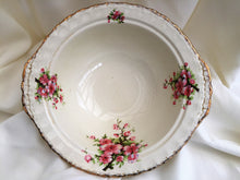 Load image into Gallery viewer, Creampetal Grindley Vegetable Serving Bowl with Peach Blossom Pattern
