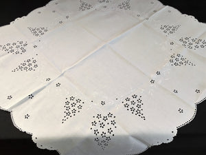 Antique Irish Linen Madeira Whitework Broderie Anglaise Eyelet Hand Embroidered Linen Tablecloth/Supper Cloth
