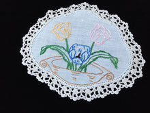 Load image into Gallery viewer, Vintage Hand Embroidered Off-white Linen Doily with a Basket of Tulips and  Ivory Crocheted Lace Edge