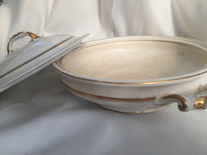 Johnson Brothers Vintage 1.1 L Vegetable Tureen Serving Bowl with Lid