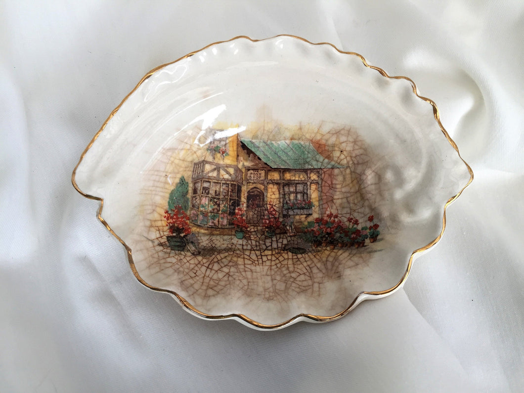 Sandlandware Lancaster & Hanley Ltd Shell Shaped Ring/Soap/Pin Dish