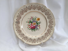 "Load image into Gallery viewer, Johnson Brothers JB1179 Pattern 10"" Vintage Dinner Plate Ivory/Gold"