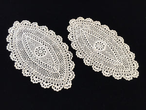 A Set of 2 Vintage Oval Crocheted Ecru/Beige Cotton Lace Doilies