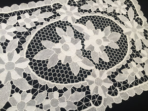 Small White Vintage Point de Venise Reticella Style Needle Lace Table Runner or Centerpiece