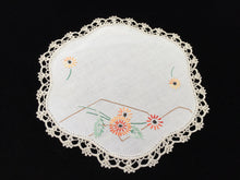 Load image into Gallery viewer, Vintage Hand Embroidered Off-white Linen Doily with Beige Crocheted Lace Edge