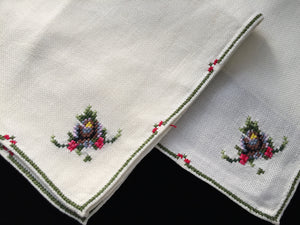 4 Vintage Hand Embroidered Pale Yellow Cotton Linen Napkins with Cross Stitch Roses