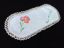 Load image into Gallery viewer, Vintage Hand Embroidered Off-white Linen Sandwich Doily with Orange Flowers and Ecru Crocheted Edge