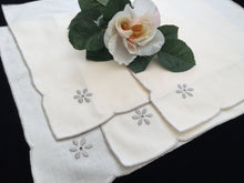 Load image into Gallery viewer, A Set of 4 Vintage Hand Embroidered Ivory/Ecru Cotton Linen Napkins