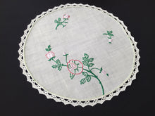 Load image into Gallery viewer, Vintage Embroidered SEMCO Linen Doily/Table Centre Mat with Roses and a Cotton Lace Edge
