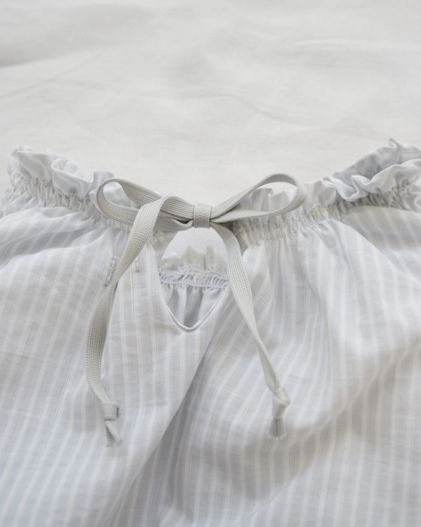 light grey stripe balloon romper detail