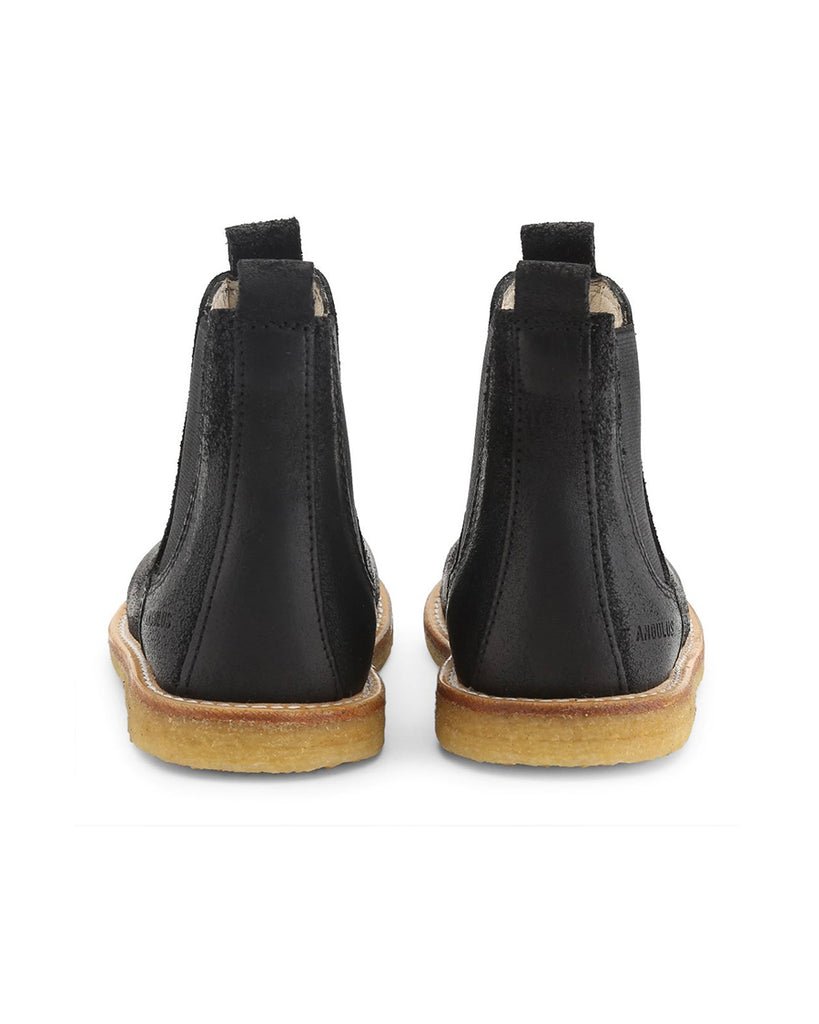 Black Narrow leather Chelsea boots back