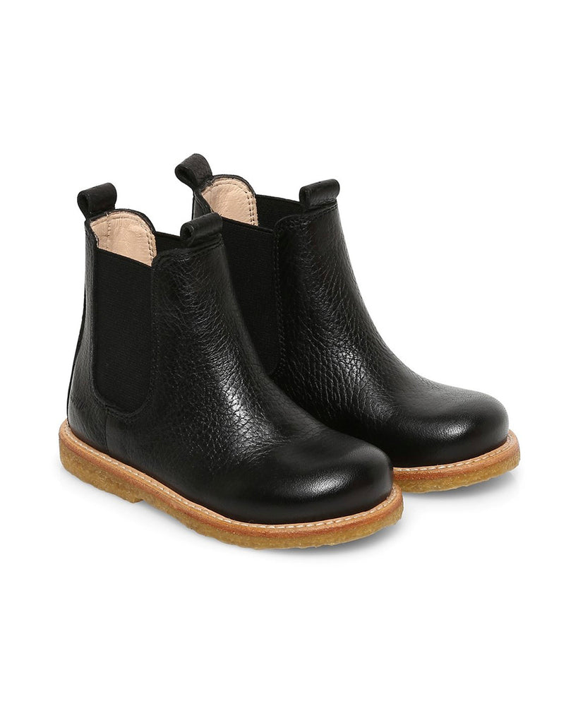 Black Narrow leather Chelsea boots