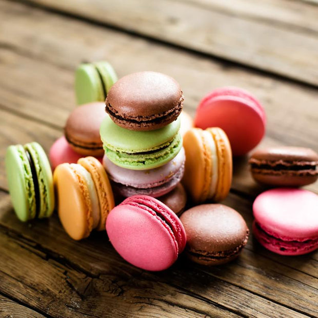 Box of 24 French Macarons / Choice of 15 flavours