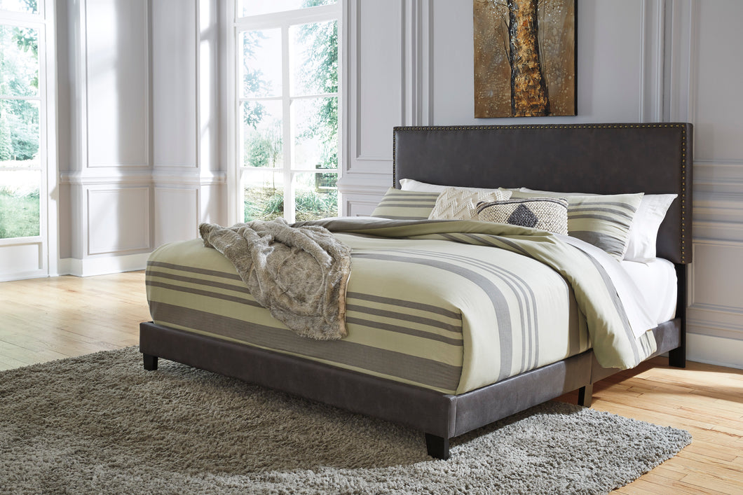 Vintasso 3 Piece Queen Upholstered Bed - B089-381 - Signature Design by Ashley Furniture