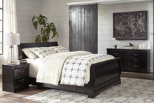 Load image into Gallery viewer, Huey Vineyard - King Sleigh Bed - B128-76-78-97 - Signature Design by Ashley Furniture