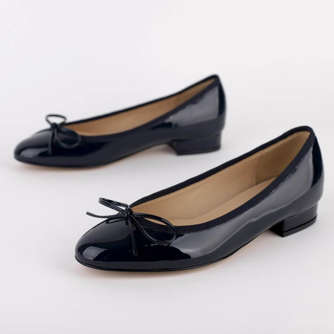 *CLAUDIA - navy patent, 2cm size USA 2