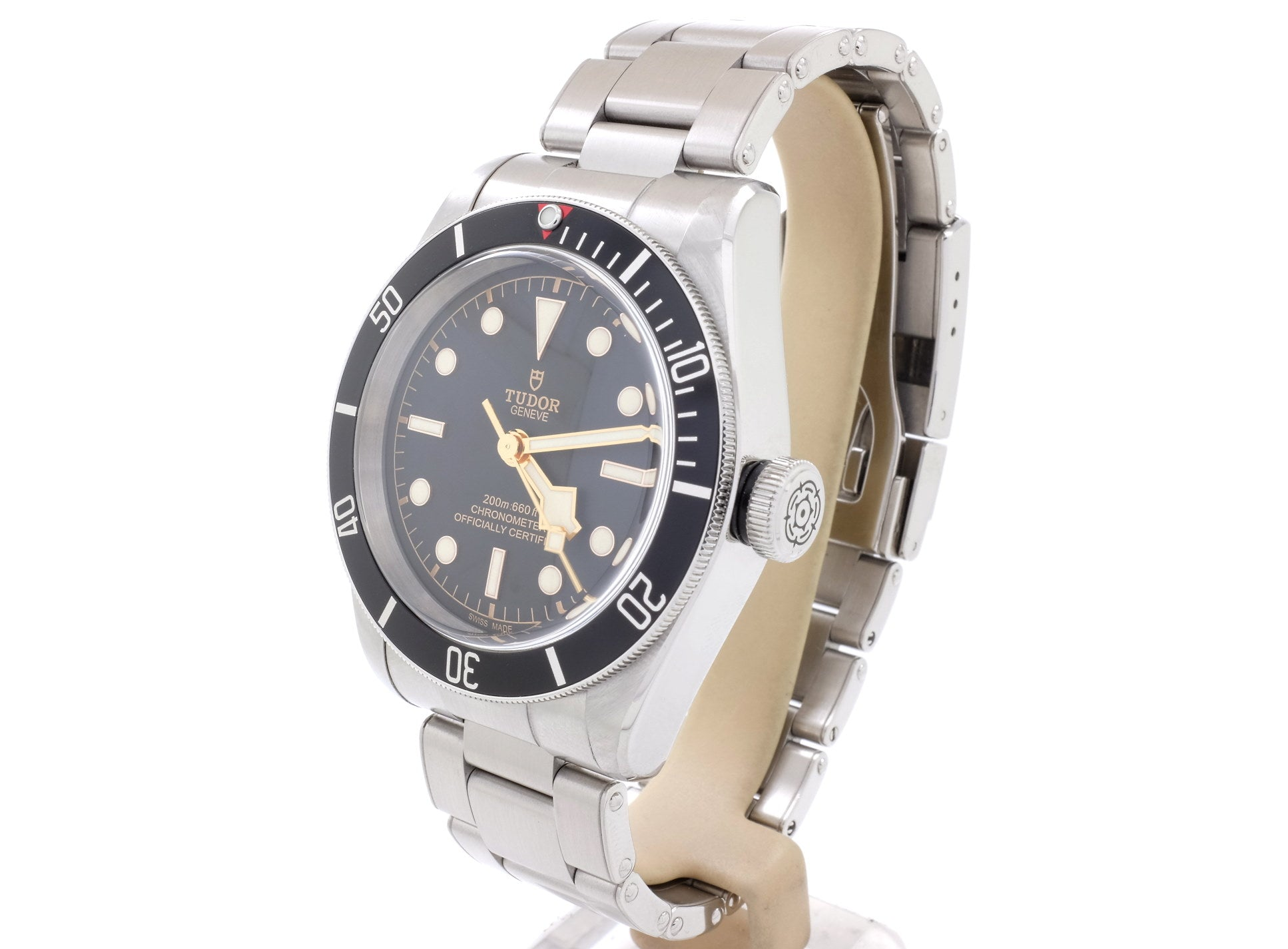 Ultra-Stylish 41mm Tudor BLACK BAY 79230N