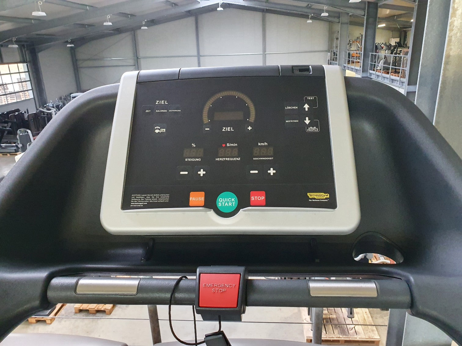 Premium TECHNOGYM Excite 500 Laufband Treadmill Fitness Studio Gym Run Laufen