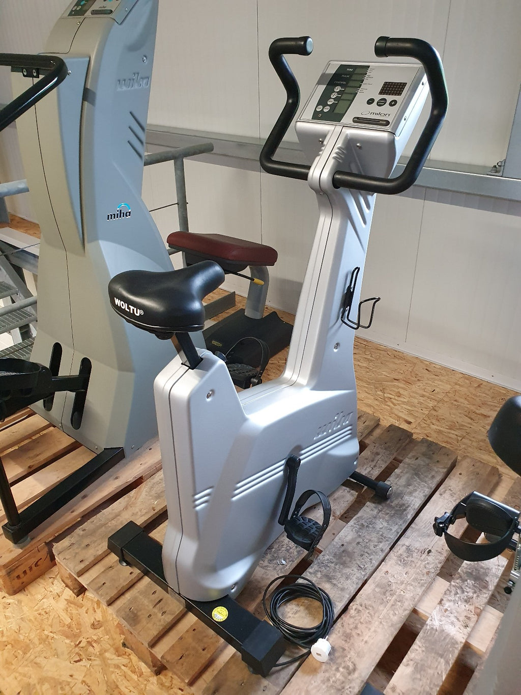 MIHA MILON Club Bike Fahrrad Ergometer Physio Fitness Studio Gym