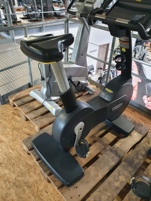 TECHNOGYM Excite 700 Unity 3.0 Upright Bike Fahrrad Ergometer Fitness