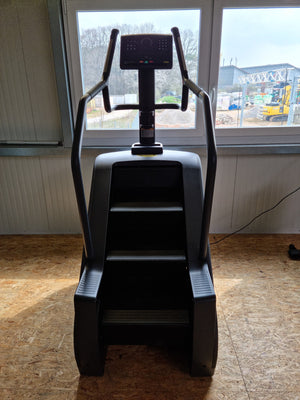 TECHNOGYM Excite 1000 Black Climb Climber Stair Mill Treppe Fitness Studio Gym NEUWARE