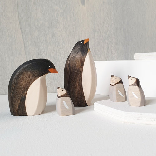 Brin d'Ours Penguin Standing/Curved (ETA Nov/Dec)