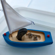 Load image into Gallery viewer, Gluckskafer Sailboat