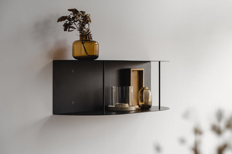 Lina Shelf - short