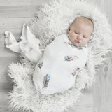 feather swaddle - Tommy & Ben