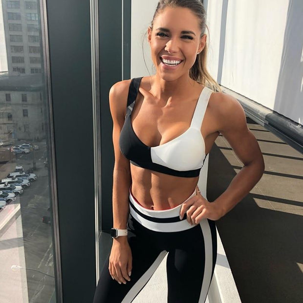 Black & White Contrast Set - Moderne Women - FITNESS WEAR Best Deals Cheap High Quality Leggings Tops Fitness Gymwear Makeup Cosmetics At Home Workout Gear Paint By Numbers