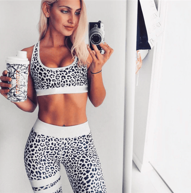 Leopard Print Sport Set - Moderne Women - FITNESS WEAR Best Deals Cheap High Quality Leggings Tops Fitness Gymwear Makeup Cosmetics At Home Workout Gear Paint By Numbers