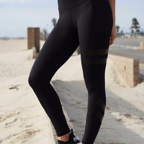 Two Lines Leggings - Moderne Women - FITNESS WEAR Best Deals Cheap High Quality Leggings Tops Fitness Gymwear Makeup Cosmetics At Home Workout Gear Paint By Numbers
