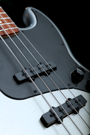 Fender Player Jazz BC Custom Silver Cyborg