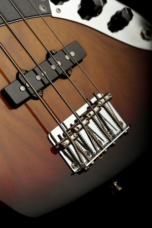 Bass Guitars - Fender American Original 70's Jazz Bass
