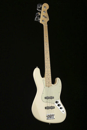 Bass Guitars - Fender American Professional Jazz Bass