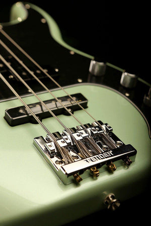 Bass Guitars - Fender Deluxe Active Precision Bass