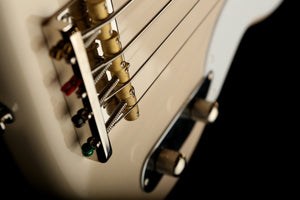 Bass Guitars - Squier Classic Vibe 50's Precision