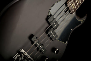 Bass Guitars - Yamaha BB734