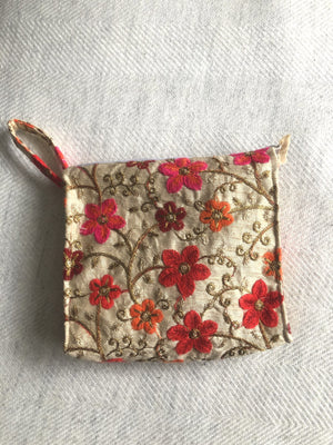 Open image in slideshow, Recycled Sari Pouch